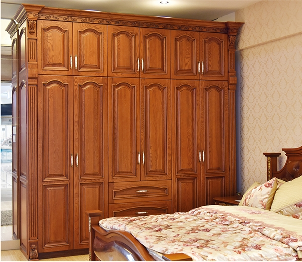 如何选择实木衣柜